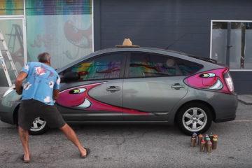 Kenny Scharf paints Prius Karbombz Series