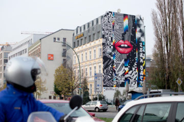 Berlin on mass Anna T-Iron Felipe Pantone