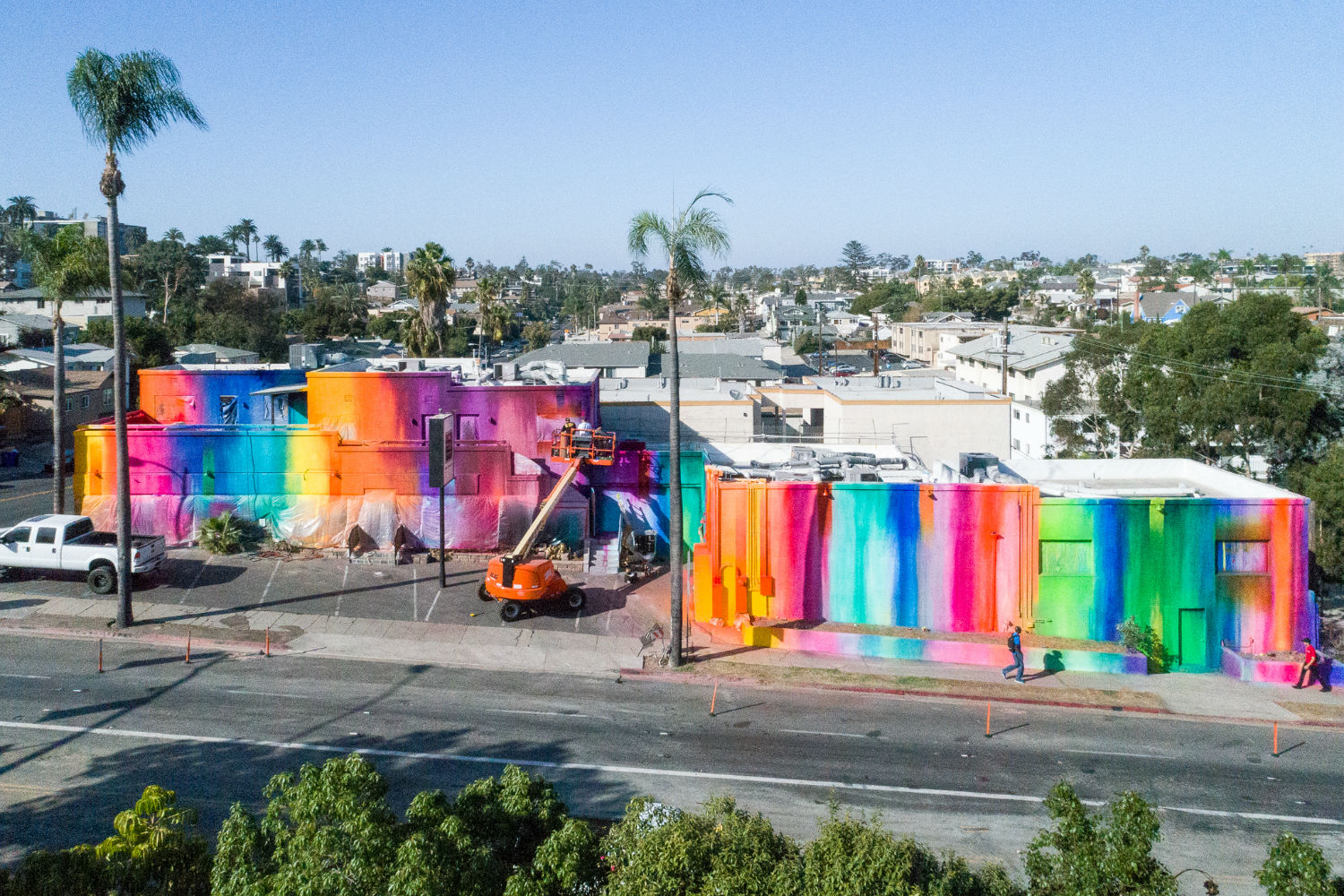 Risk paints giant wall in San Diego